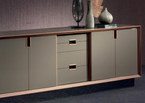 sustante lacquer wood console