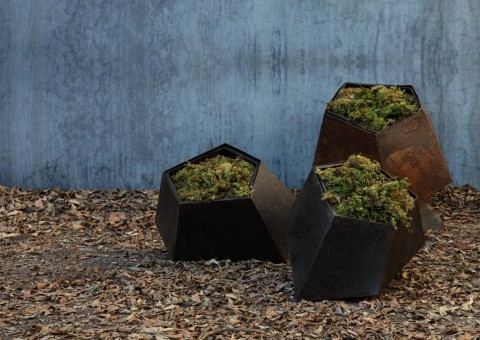 boulders planter