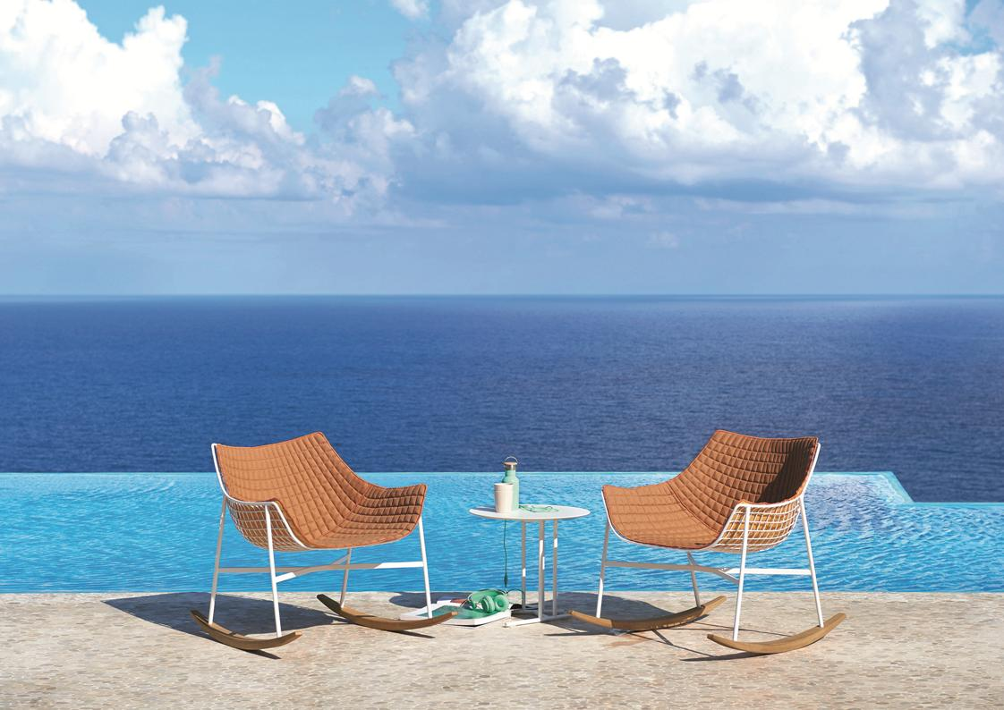 luxury outdoor lounge chairs